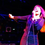 Rockröhre Pamela Falcon singt für Opel Produkttag