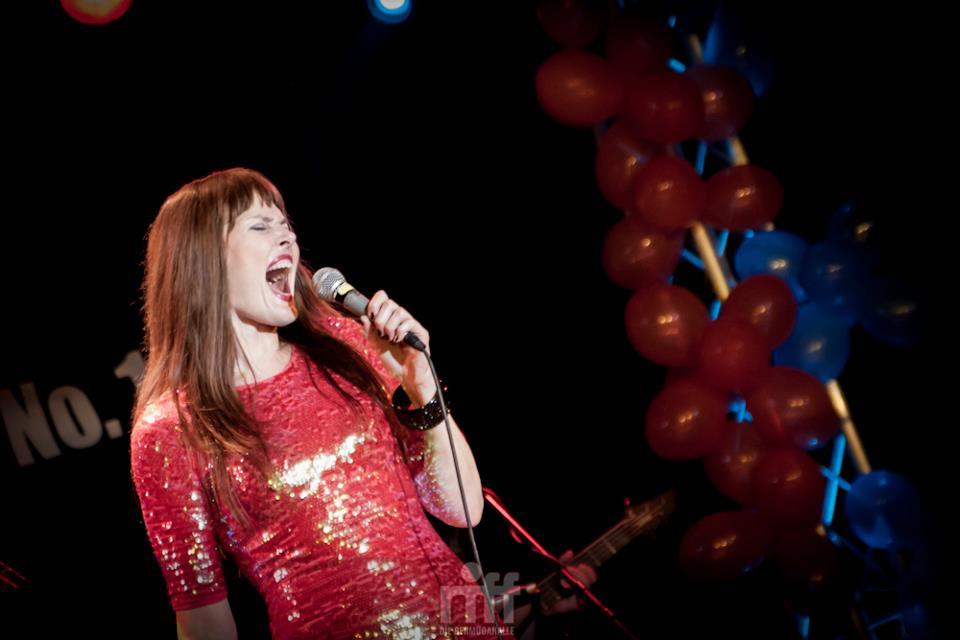 650 NEW YORK NIGHTS Show mit Pamela Falcon