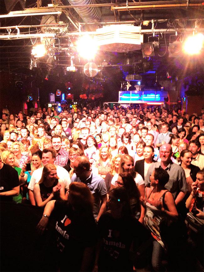NEW YORK NIGHTS 700. Show Publikum!