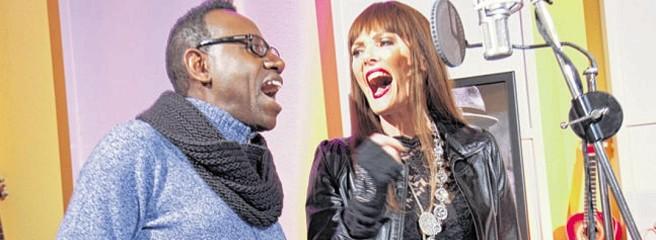 Pamela Falcon und Isaac Roosevelt: Zwei Ausnahmestimmen wollen zum Eurovision Song Contest. Foto WAZ: Oppitz